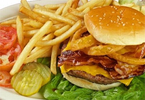 5 бьюти-правил. Не есть калорийную пищу перед сном
