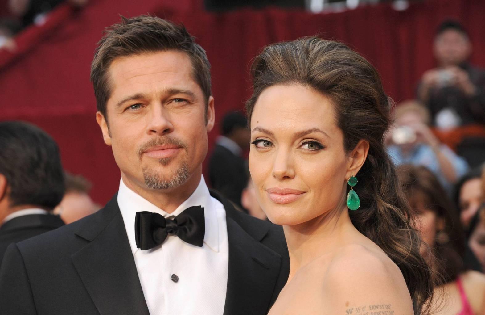 Анджелина Джоли рассталась с Брэдом Питтом
