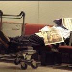 Фотографии людей, которые находятся в аэропортах