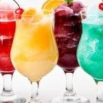 Какими простыми и вкусными коктейлями угостить друзей дома