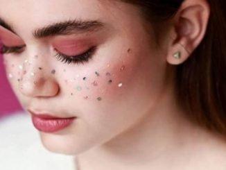 Татуировки имитирущие блестящие веснушки