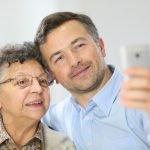 3 оригинальных способа подарить новый смартфон маме