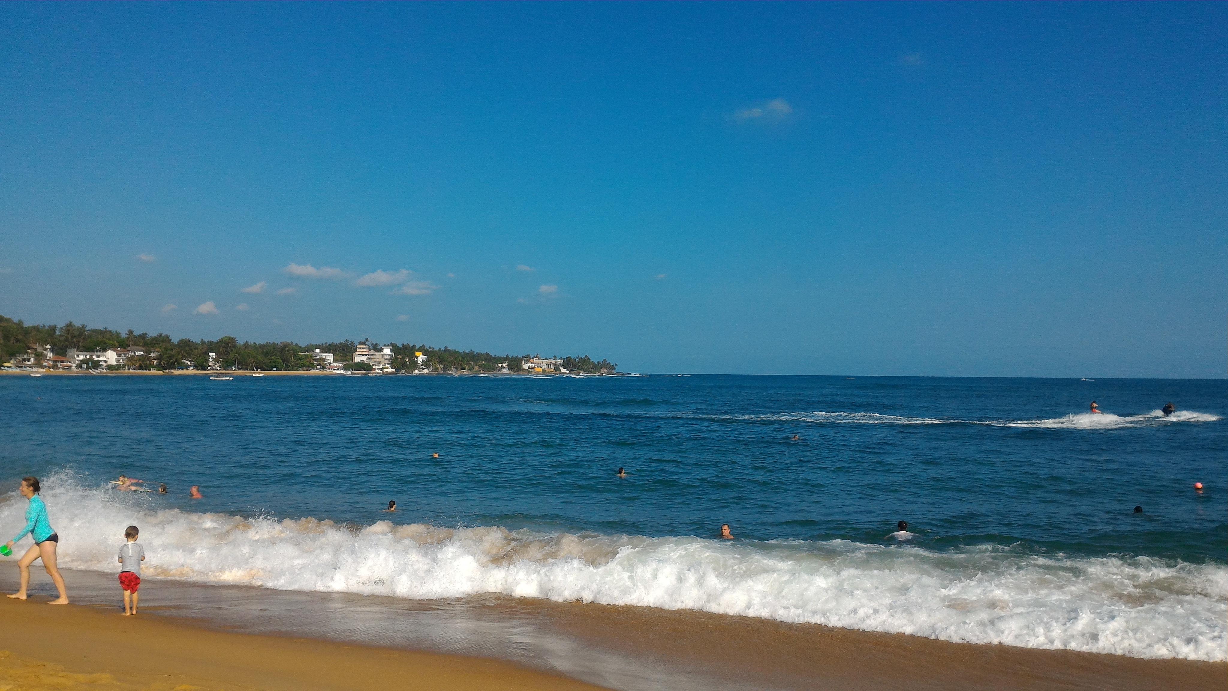 Шри-Ланка. Главынй пляж Унаватуна