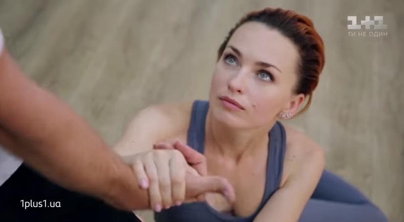 Виктория Булитко танцует с Дмитрием Дикусаром